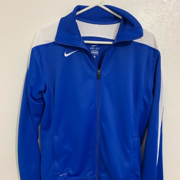 0f6e5e93 Nike Jacket + Pants Set Size: Large
